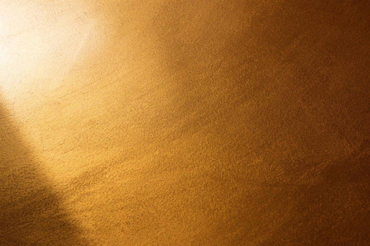 Pavimento spatolato effetto oro